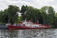 Barco contraincendios del departamento de bomberos profesional de Francfort Foto de archivo