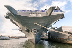 Barco da Armada USS intrépido em New York Fotografia de Stock