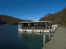 Barco da excursão dos lagos Plitvice foto de stock
