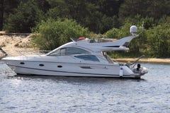 Barco de alta velocidad Imágenes de archivo libres de regalías
