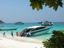 Barco de alta velocidade no console de Similan Fotografia de Stock Royalty Free
