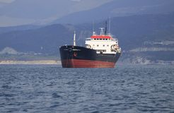 Barco de carga Foto de archivo libre de regalías