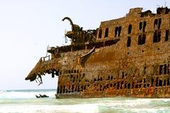 Barco de carga encalhado Imagens de Stock Royalty Free
