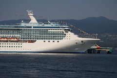 Barco de cruceros Fotografía de archivo libre de regalías