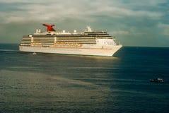 Barco de cruceros Fotografía de archivo