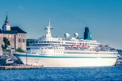 Barco de cruceros de Albatros fotos de archivo