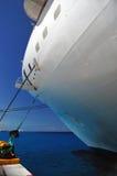Barco de cruceros amarrado Imágenes de archivo libres de regalías