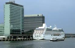Barco de cruceros Amsterdam Foto de archivo libre de regalías