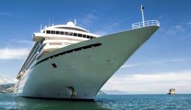 Barco de cruceros blanco Imagen de archivo libre de regalías