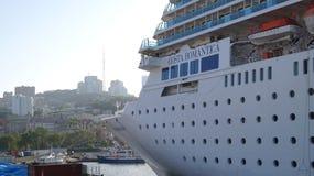 Barco de cruceros Costa Romantica del océano Imagen de archivo
