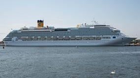 Barco de cruceros de Costa Favolosa Fotografía de archivo