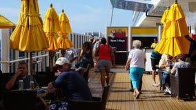 Barco de cruceros de la brisa del carnaval Imágenes de archivo libres de regalías
