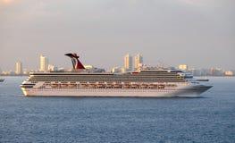 Barco de cruceros de la libertad del carnaval Imágenes de archivo libres de regalías