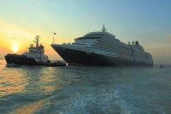 Barco de cruceros de la reina Victoria fotos de archivo libres de regalías