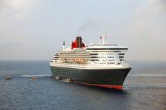 Barco de cruceros de lujo amarrado en el acceso del Caribe Foto de archivo libre de regalías