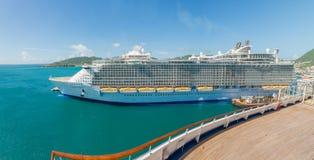 Barco de cruceros del Caribe real Foto de archivo