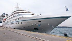 Barco de cruceros del orgullo de la estrella Fotografía de archivo libre de regalías