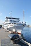 Barco de cruceros del río Fotografía de archivo