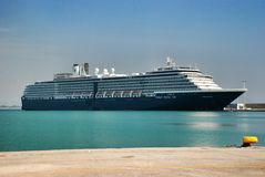 Barco de cruceros del revestimiento marino de las vacaciones Imágenes de archivo libres de regalías