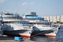 Barco de cruceros del río Imagen de archivo libre de regalías