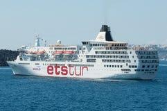 Barco de cruceros del viaje del Ets Imagenes de archivo
