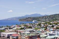Barco de cruceros en bahía de Barbados Foto de archivo libre de regalías