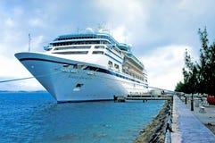 Barco de cruceros en Bernuda Fotografía de archivo libre de regalías