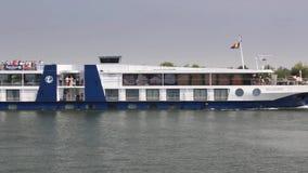 Barco de cruceros en el Danubio