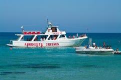 Barco de cruceros en el mar Mediterráneo Fotografía de archivo libre de regalías