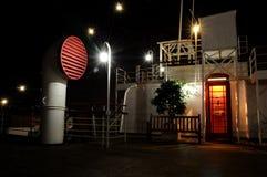 Barco de cruceros en la noche Imagen de archivo