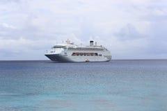 Barco de cruceros en la yegua Imagen de archivo libre de regalías