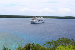 Barco de cruceros en la yegua Fotografía de archivo
