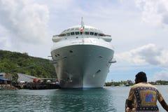 Barco de cruceros en Port Vila Fotografía de archivo libre de regalías