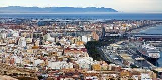 Barco de cruceros en puerto en Almería imagen de archivo libre de regalías