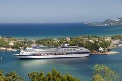 Barco de cruceros en St Lucia Imágenes de archivo libres de regalías