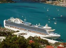 Barco de cruceros exótico Foto de archivo libre de regalías