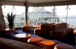 Barco de cruceros. Exterior e interior Imagen de archivo libre de regalías