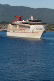 Barco de cruceros que sale del puerto #3 de Vancouver Foto de archivo