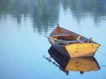 Barco de enfileiramento Fotografia de Stock Royalty Free