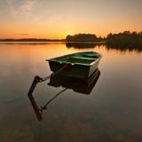 Barco de enfileiramento só Fotografia de Stock Royalty Free