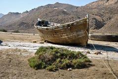 Barco de enfileiramento velho. Fotos de Stock