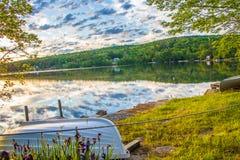 Barco de fileira no céu Fotografia de Stock