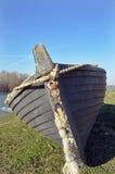 Barco de Fisher en orilla Imagenes de archivo