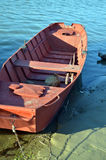 Barco de Fisher en orilla Fotografía de archivo