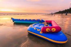Barco de goma en el mar Fotos de archivo libres de regalías