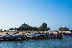 Barco de la cola larga para el turista en Krabi Fotos de archivo