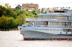 Barco de la travesía del río blanco Foto de archivo