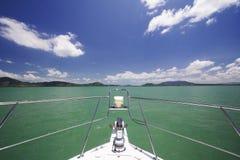 Barco de la velocidad en el mar Fotos de archivo libres de regalías