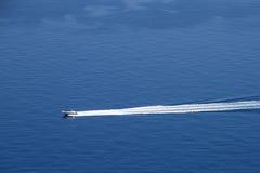 Barco de la velocidad en el mar Imagen de archivo