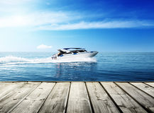 Barco de la velocidad, mar tropical Fotos de archivo